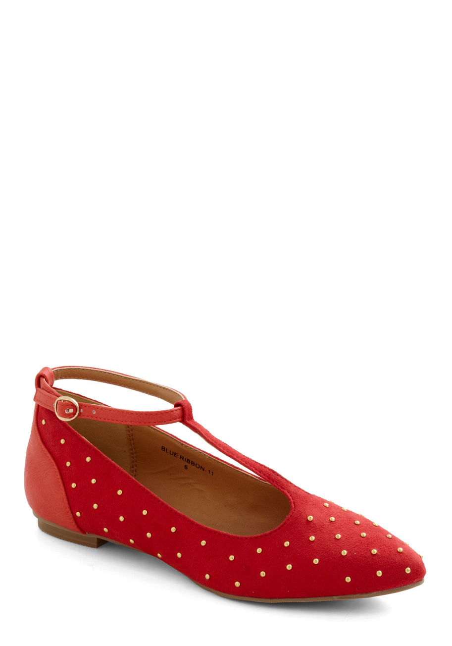 modcloth:  Shop the Make a Poinsettia Flat»