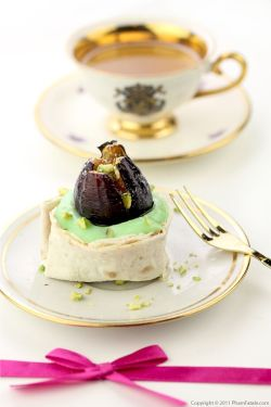 Fig Dessert Cup Ingredients:  6 sheets lavash flat bread, cut in half 12 fresh figs 1 tablespoon canola oil (I used a spray), as needed 12 fresh bay leaves (optional), slightly bruised 4 teaspoons maple syrup, to taste ½ (3.4-ounce) package instant pistachio pudding, as needed 1 dozen unsalted pistachio kernels, coarsely crushed 1 tablespoon powdered sugar, for garnish For full recipe click here.