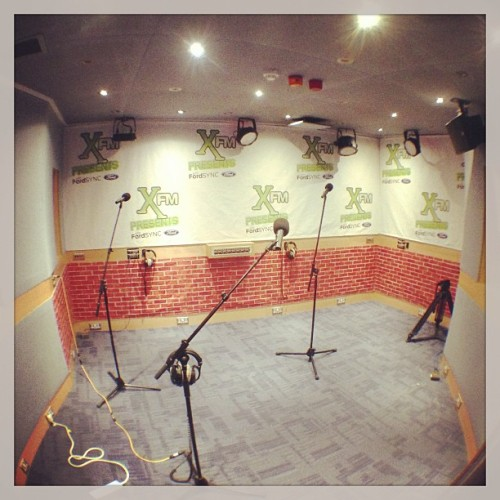in t'building for tonight's @Xfm session ! who's coming?