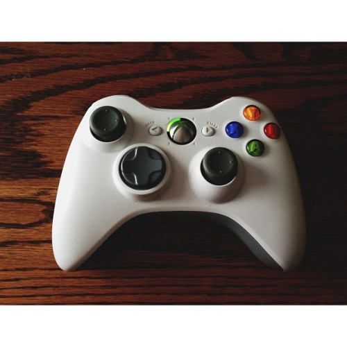shanewilly:  Lazy day. #vscocam #xbox360 #halo4