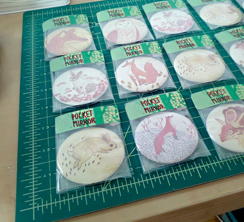 Pocket Mirrors for Artists for Animals!