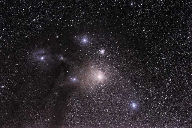 Antares e Rho Ophiuchi by GlaucoH on Flickr.