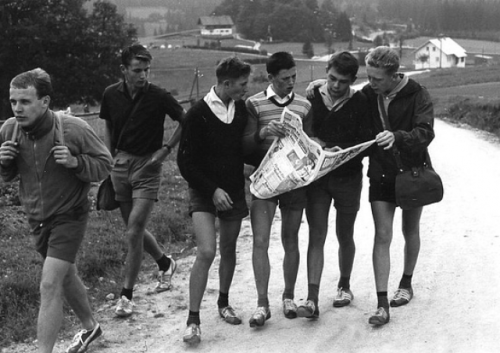 haroldnmod:  Young men hiking in 1930 Germany.