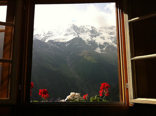 wildernessbound:  n-a-s-c-h-a:  imagine this being the view from your bedroom, woahh  Someday, this will be the view from my bedroom. I won't settle for less.