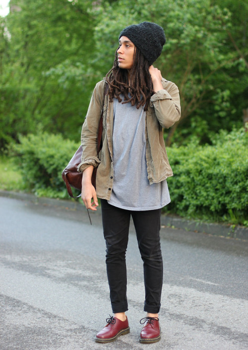 lookbookdotnu:  You must be loving your life in the rain (by Philip Antony)