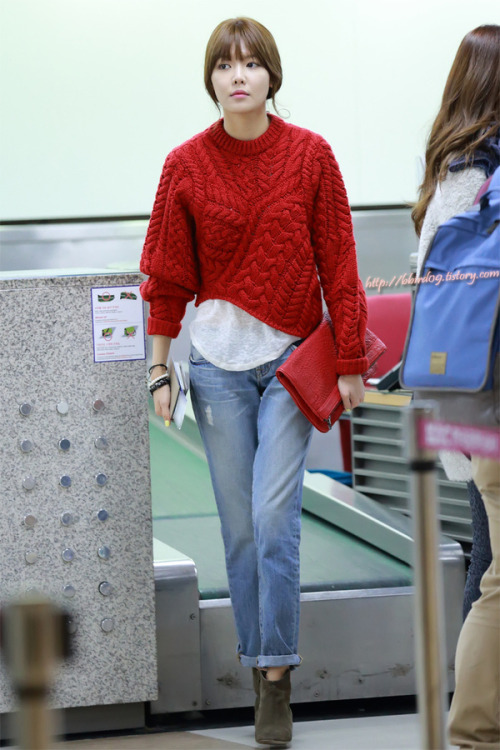 snsd-lookbook:  sooyoung….. please be my own personal stylist.