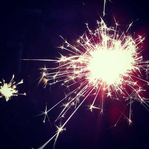 okayjokesover:  SPARKLERZZZZ 💥  New Year's celebrations in our back yard!