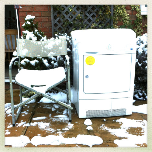 Chair - Tumble Dryer - Snow
