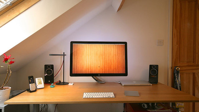 Lifehacker: Workspace Show and Tell - The Clean and Composed Wooden Workspace