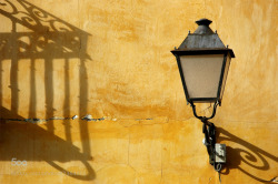 Street lamp and shadow - mirarierdoiza - http://ift.tt/1azzPcn