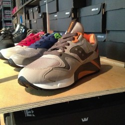 Saucony Grid 9000. Instock. & ready to ship. #sneakers #sneakerhead #igsneakercommunity #saucony #kicks