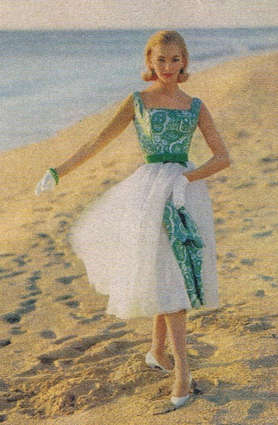 theniftyfifties:  Summer dress fashion on the beach, 1958.