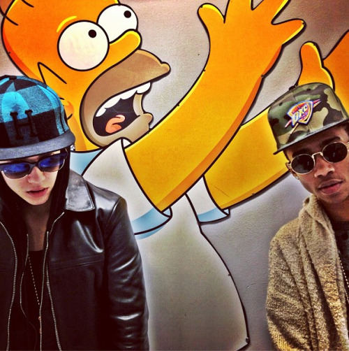 bieber-news:  @justinbieber: Chillin with homer