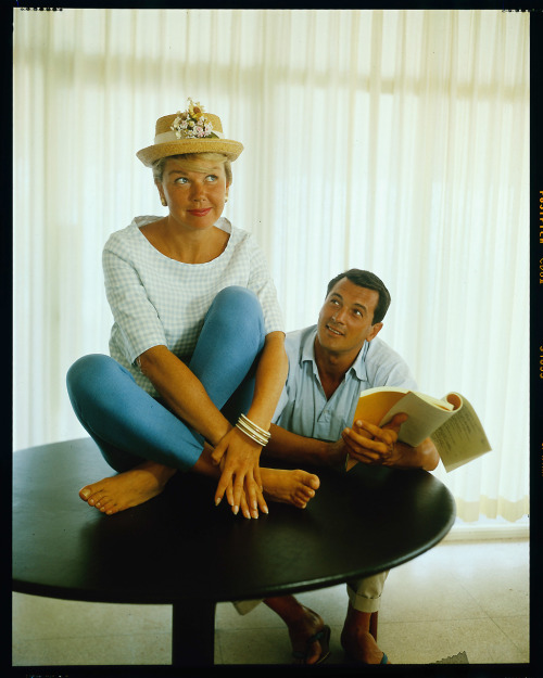 operaqueen:  Doris Day & Rock Hudson.  My favorite actress of all time.