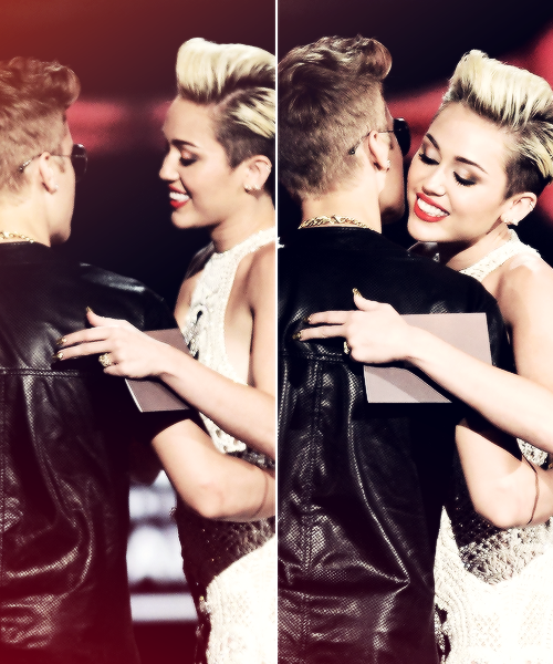 Miley and Justin at Billboard Music Awards.