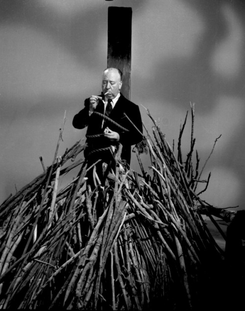smokingissexy:  Alfred Hitchcock  Right time for smoke