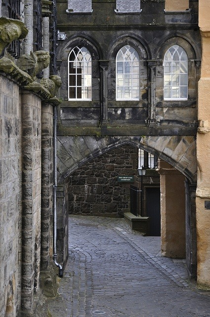 alpenstrasse:  bluepueblo: Stirling Castle, Stirlingshire, Scotland. photo via karen