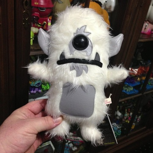 "spankystokes:    Today was a good mail day!!! @flatbonnie ""Stroll"" arrived!!! Sooo cool!!! #stroll #spankystokes #spankystroll    Lil' Stroll in his happy new home - with lots of toys to play with!"