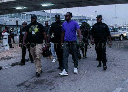 Idris Elba photo in Nigeria. Why so many guards?