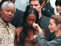naomimandela:  Naomi Campbell letting her white maid wipe her tears  fuck the white man