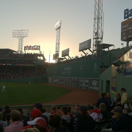 hanrahansbeard:  Always beautiful #fenway #redsox