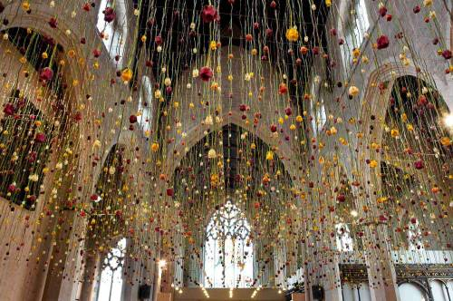 Art Flowers Art installations Public art Floral art Rebecca Louise Law Flowerscapes Dreamscapes Nature Design Suspended Hanging Hanging garden