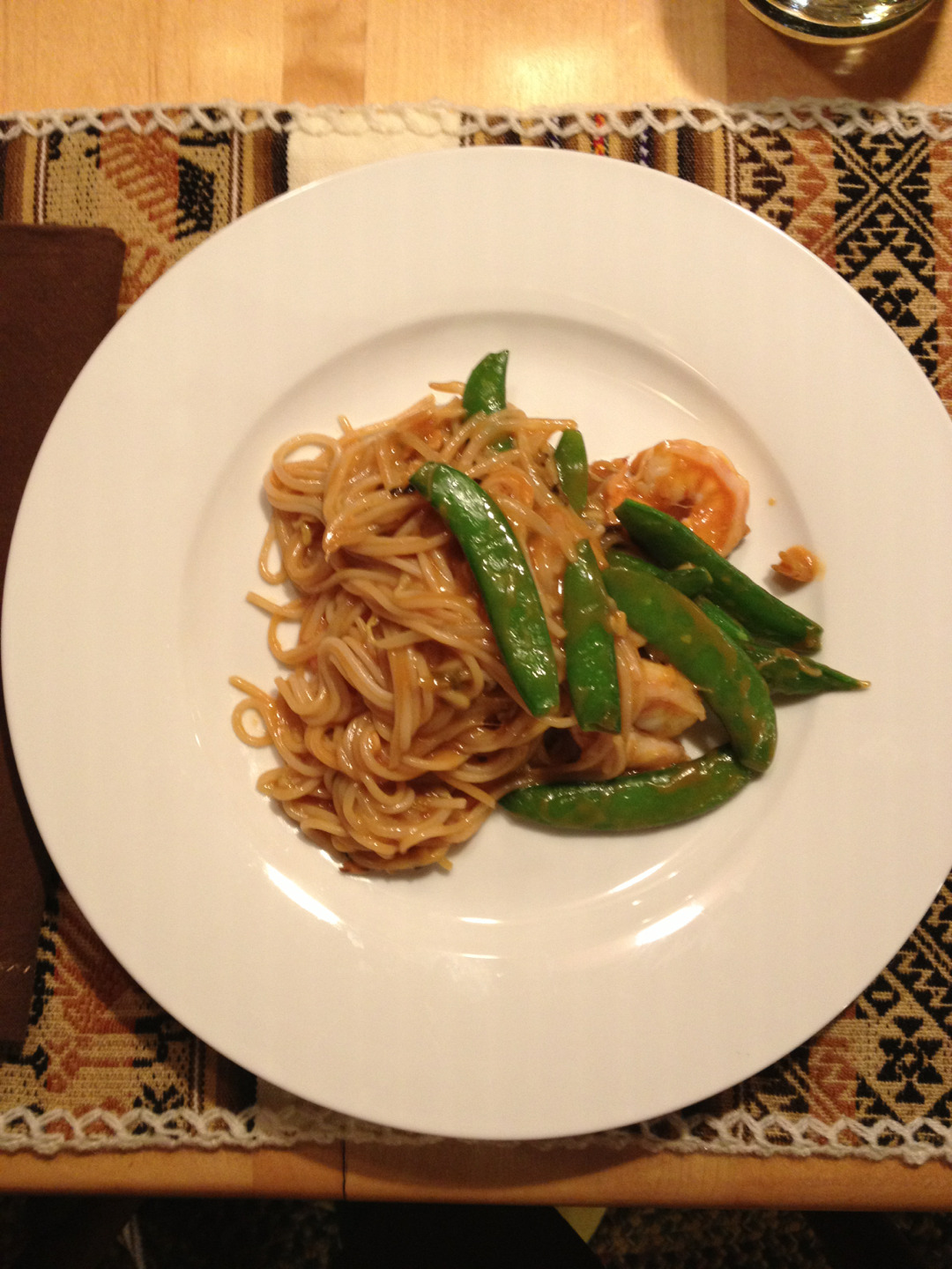 Shrimp pad thai in peanut sauce😍