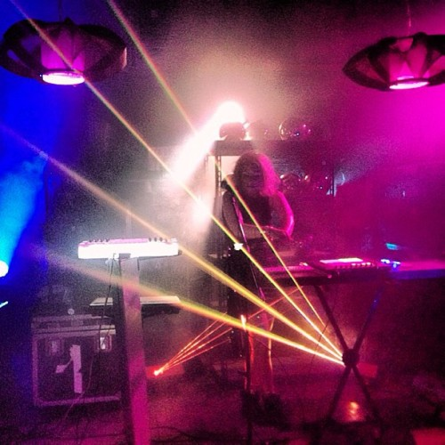 Lazers man! #musicvideo #alluxe #lazers #lights #electronicmusic #gold #goldpantsarehotterthanahotpocket #makeupartist #makeup #igdaily #igaliens #music #setlife #aliens #dance #werk #twerk #videoshoot @lauraescude