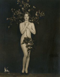 maudelynn:  Nature Lover! 1920s risque photo by Mitchell NY