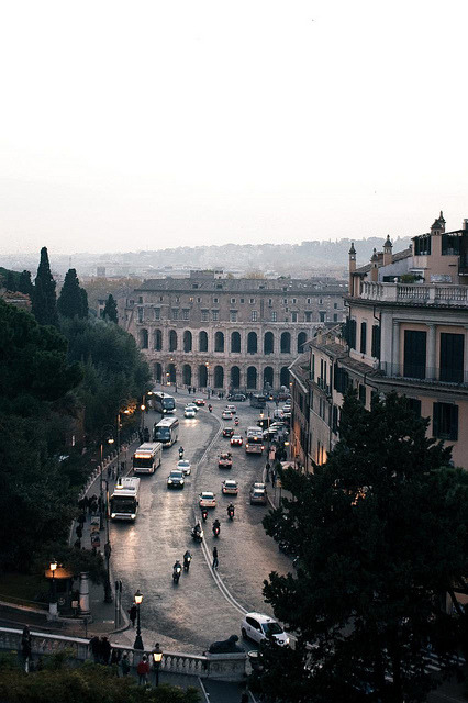 oscartales:  Rome by hello it's joe on Flickr.