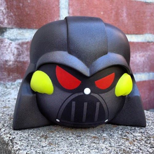 Darth Pon sample shown!!! Coming soon in our next Kusopon superstar series! #kusopop #kusovinyl #urbanvinyl #designertoy #vinyltoy #minifigure #actionfigure #kusopon #starwar #anime #cartoon #vader #movie