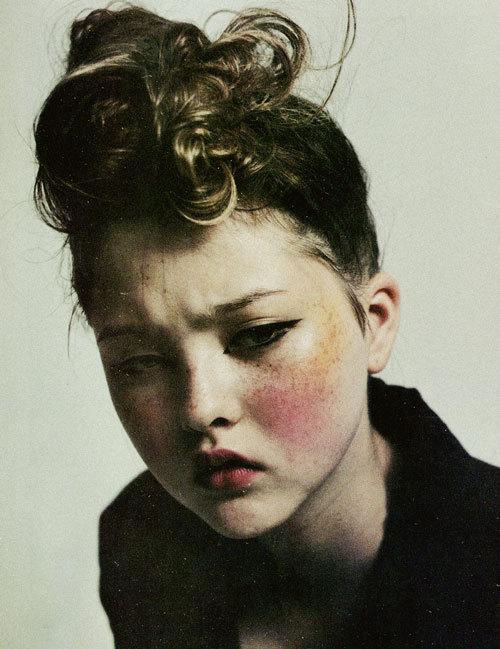 Fashion (1996) Devon Aoki // Mario Sorrenti Photography Devon Aoki by Mario Sorrenti, The Face, October 1996. Photo Source: AClockworkOrange.com