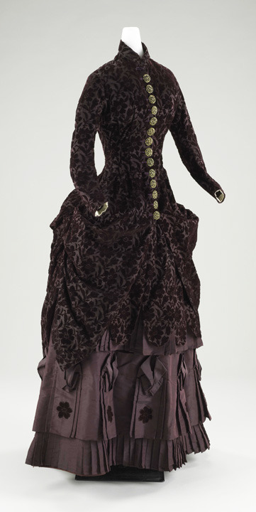 Day dress ca. 1880-90 From the Baltimore Museum of Art via the Costume Society of America