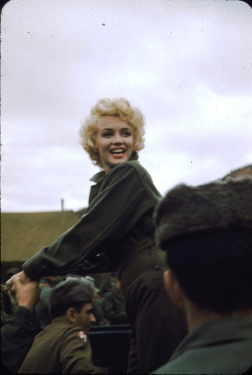 prendreunedouche:  Marilyn in Korea, February 1954