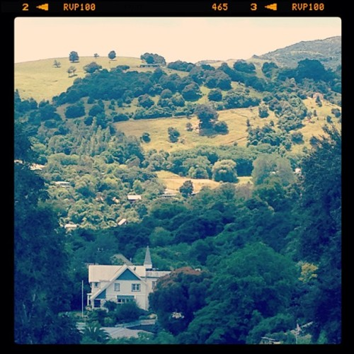 House on the #hill #akaroa #newzealand (at Akaroa)