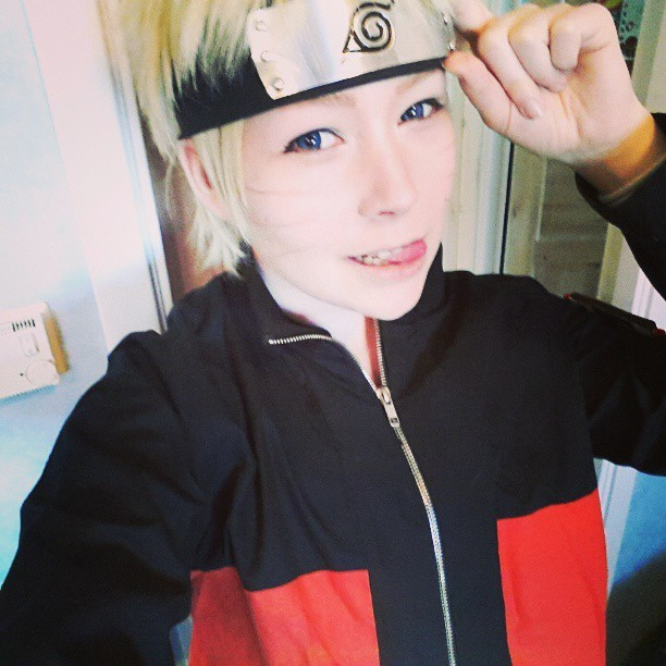 Putting on my old naruto cosplay for a secretive thing. oh I wonder what it can be~ heh