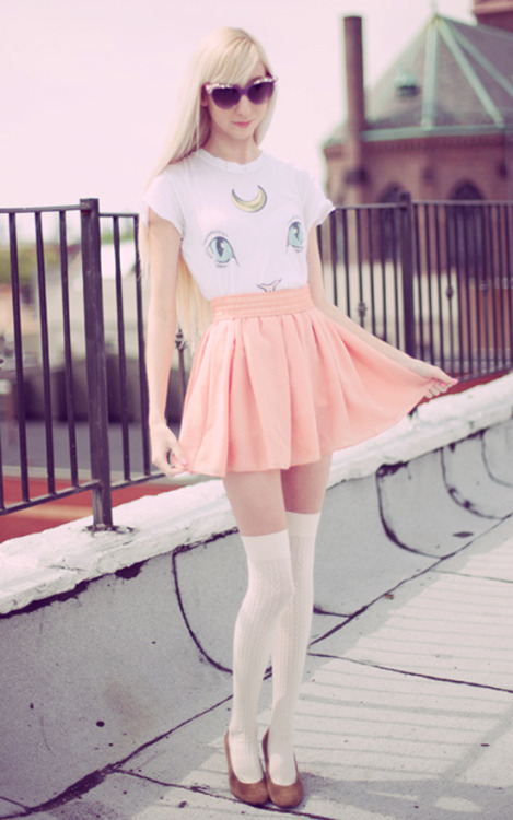 opiumpoppies:  New look on Lookbook! http://lookbook.nu/look/4926378-Diy-Cateye-Pearl-Sunglasses-Wildfox-Couture Artemis Sailor Moon cat tee from Wildfox =^..^=