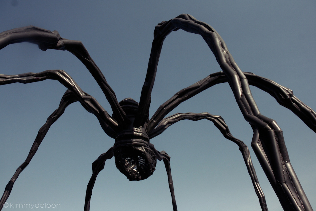 Spider | Leeum Samsung Museum, Seoul, South Korea Gigantic bronze spiders sculptures by Louise Bourgeois surround the deck of the museum.