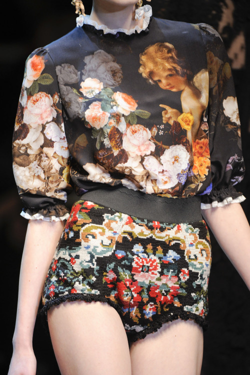 nataliemeansnice:  glitterina:    Dolce & Gabbana at Milan Fashion Week Fall 2012       love!