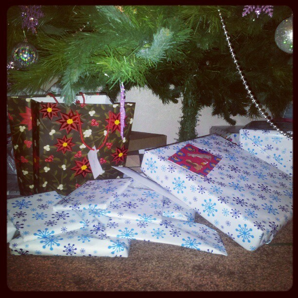 Christmas arrived at the @JayWll, @asiancwgrl, @SnoopysBF household. Stoked!!