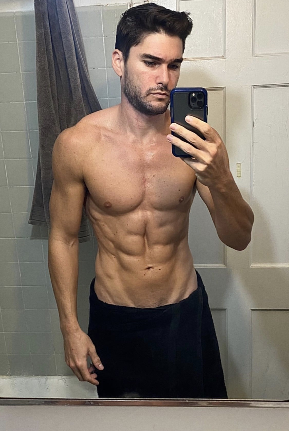 Charlie Matthews #Charlie Matthews#Mirror Selfie#Shirtless#Arms#Pecs#Crazy Abs#V Lines#Black Towel#Perfect Body