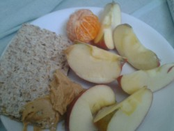 Supper: an apple, a mandarin, rye crispread and peanut butter :)