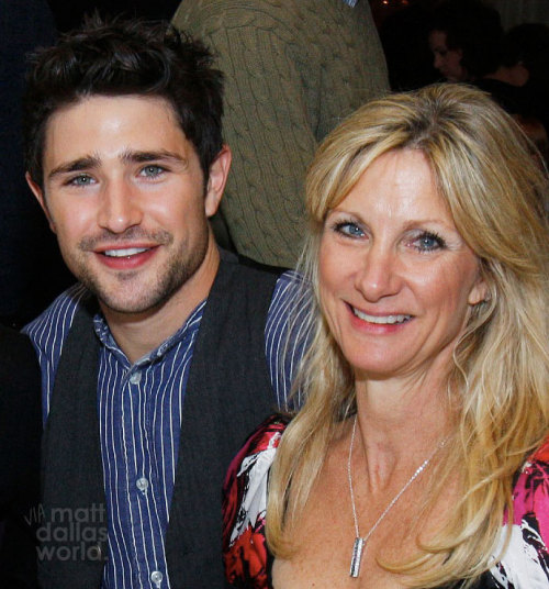 mattdallasworld:  Happy Mothers Day with Matt and Sandy Dallas! MDW main site . Twitter . Facebook Page . YouTube Channel . Pinterest (Photo: ABC/Disney)