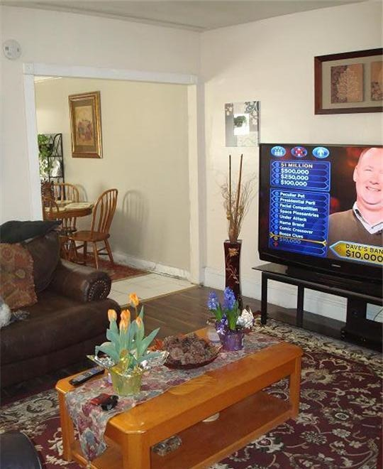 Ugly House Photos - Turn Off the TV Please