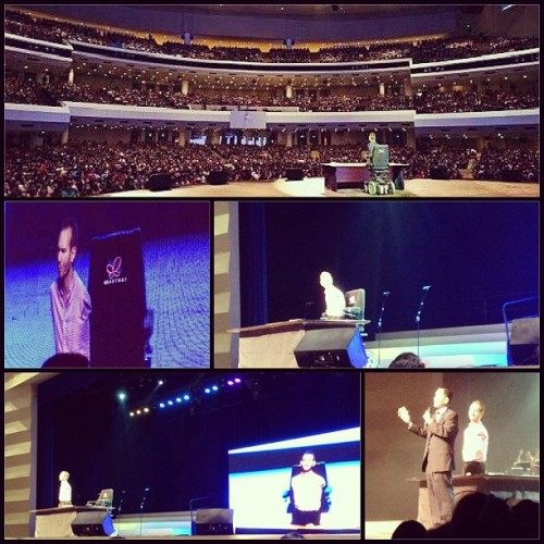 Earlier at CCF. Nick Vujicic, blessed by his preaching. Filled our souls, hearts and minds. Photos ©@triximillionaire #sunday #church #blessed #ccf #NickVujicic #may19 (at CCF Worship And Training Center)