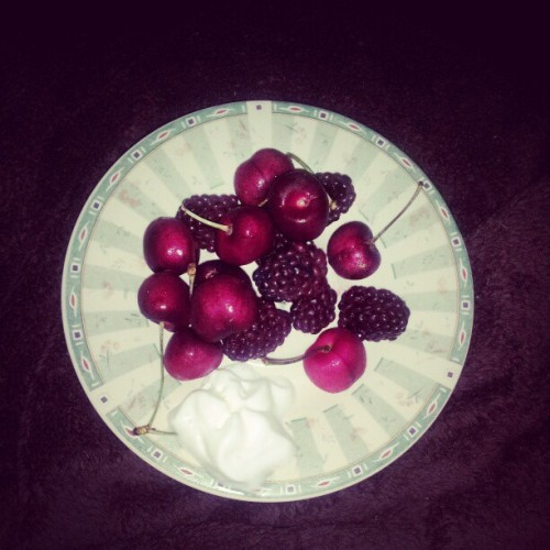 blackberries &cherries with a little bit of fat free cool whip for dessert! #healthy #fit #active #dessert #healthydessert #weightloss #myjourney #happy #yum