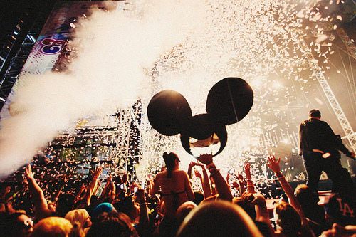 summer-of-rave:  http://weheartit.com/entry/23660559/via/pinkifloyd