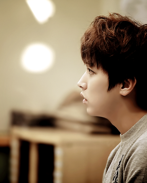 {4/50} Photos of Lee SungMin