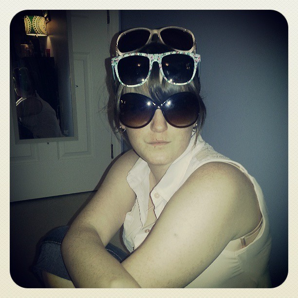 ashleybobashleyy:  Aint no uv rays gettin meghan. #sunglasses #meghanstag #ridiculous #SWAG  Bitch I'm fabulous