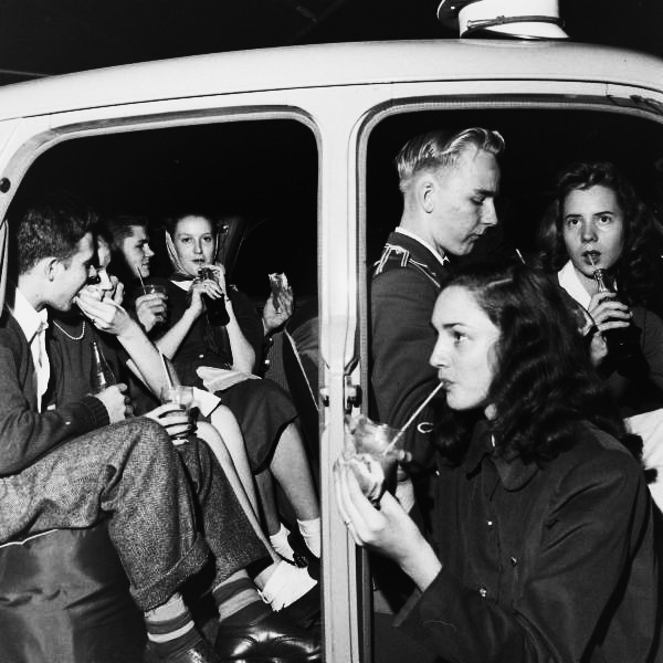 Teens, 1947 Atlanta teens enjoying a late night snack burgers and soda pop life